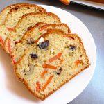 Cake aux olives, aux carottes et au fromage frais